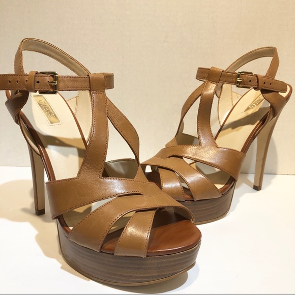 5ee139945754 Guess Shoes - guess womens brown strappy platform heels Size 9